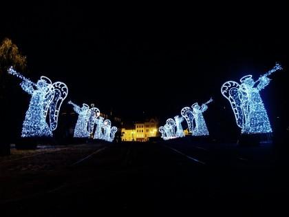 Coraz więcej świateł na święta?